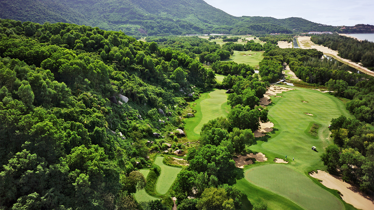 Dual Golf Resorts Of Vietnam 8 Days / 7 Nights