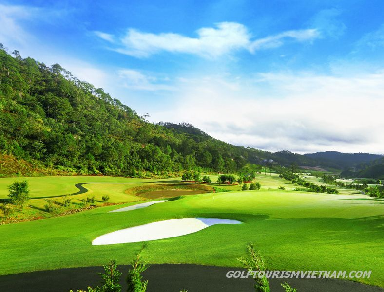 Tuyen Lam Sacom Golf Resort